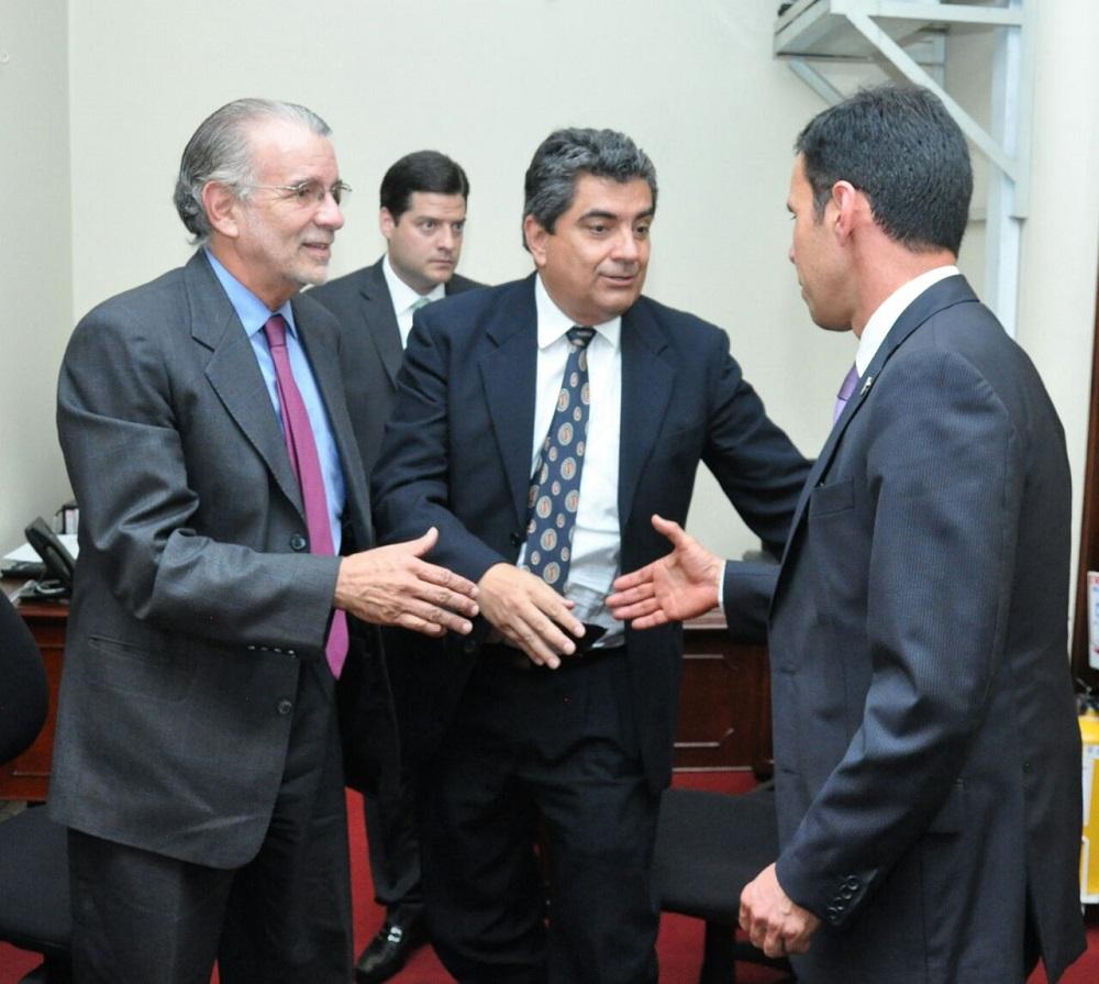 Gobernador del quind o y nuevo ministro de interior for Nuevo ministro del interior