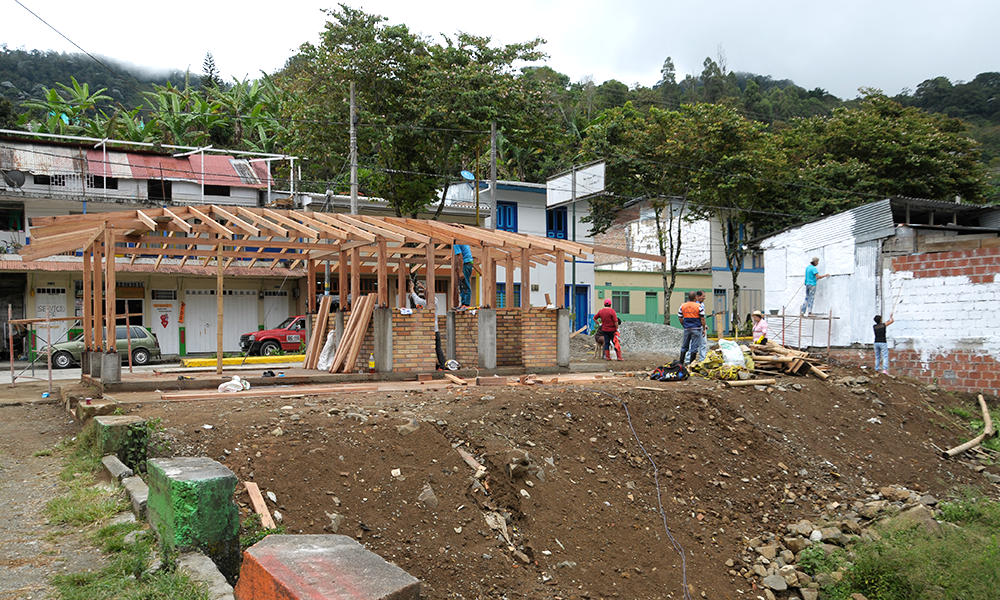 Convenio con smurfit kappa colombia para construir el for Fuera de convenio 2017
